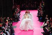 Alexis Mabille : Runway - Paris Fashion Week - Haute...
