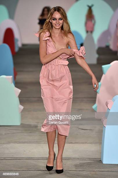 A model walks the runway during the Alice McCall show at MercedesBenz Fashion Week Australia 2015 at Bay 2224 Carriageworks on April 14 2015 in...