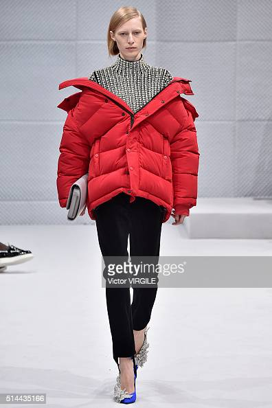 A model walks the runway during the Balenciaga fashion show as part of the Paris Fashion Week Womenswear Fall/Winter 2016/2017 on March 6 2016 in...