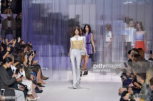 A model walks the runway during the Carven Ready to Wear show as part of the Paris Fashion Week Womenswear Spring/Summer 2016 on October 1 2015 in...