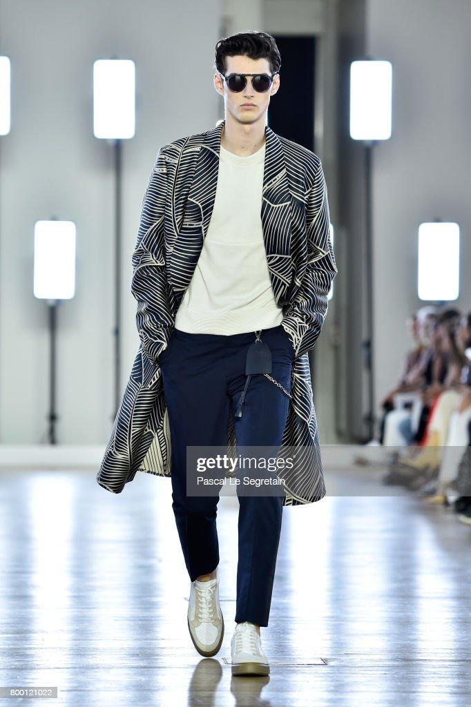 model-walks-the-runway-during-the-cerruti-menswear-springsummer-2018-picture-id800121022