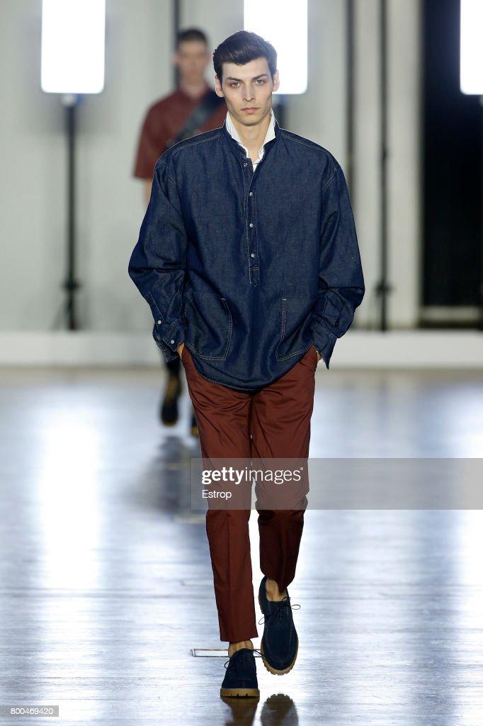 model-walks-the-runway-during-the-cerruti-menswear-springsummer-2018-picture-id800469420