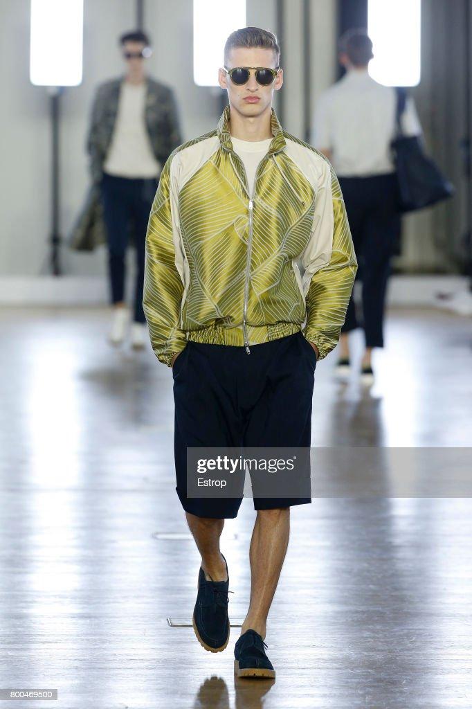 model-walks-the-runway-during-the-cerruti-menswear-springsummer-2018-picture-id800469500