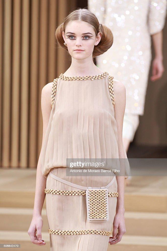 Runway - Paris Fashion Week