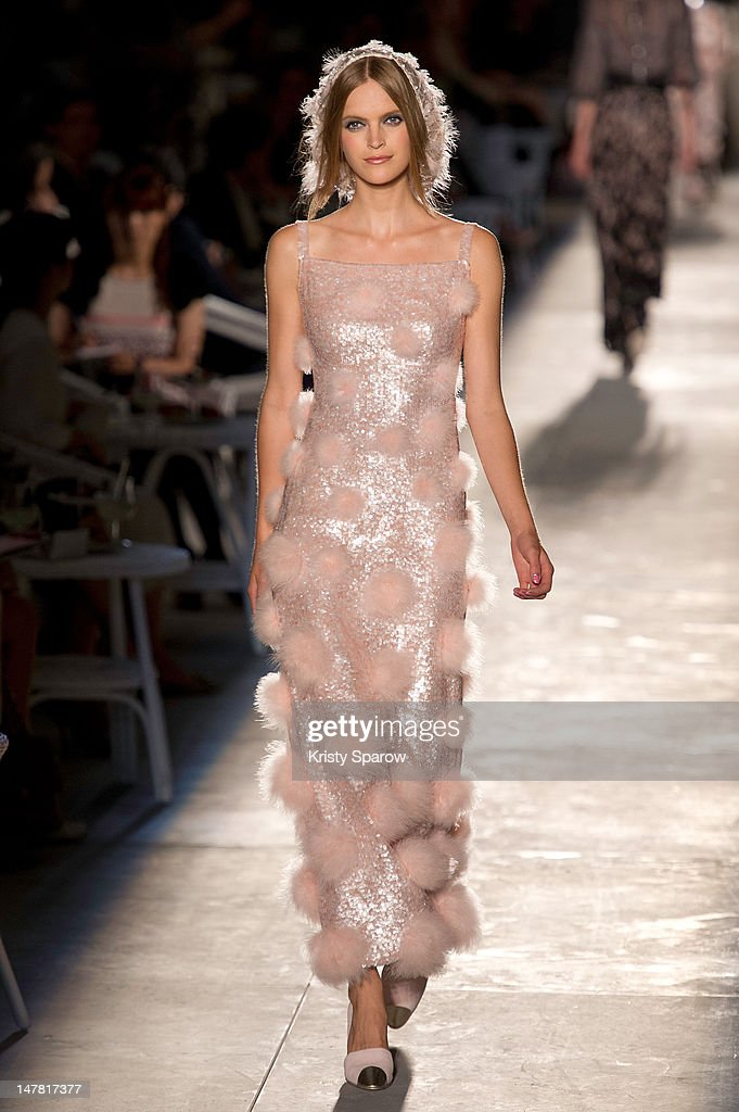 Runway paris fashion week haute couture f getty images for Haute couture week