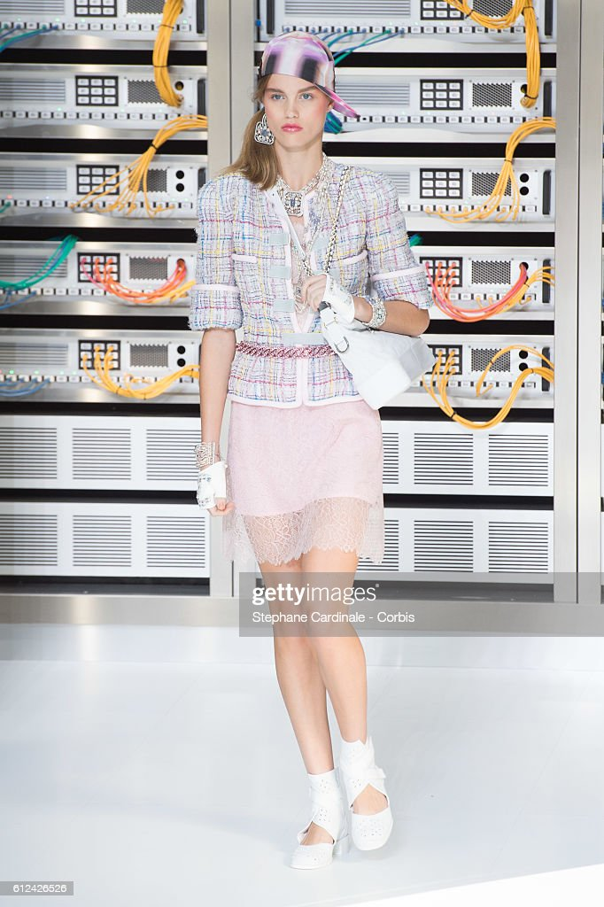model-walks-the-runway-during-the-chanel-show-as-part-of-the-paris-picture-id612426526