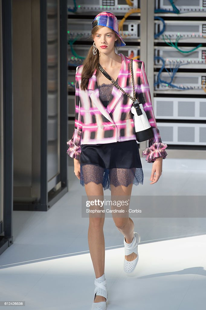 model-walks-the-runway-during-the-chanel-show-as-part-of-the-paris-picture-id612426538