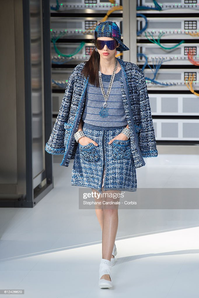 model-walks-the-runway-during-the-chanel-show-as-part-of-the-paris-picture-id612426620