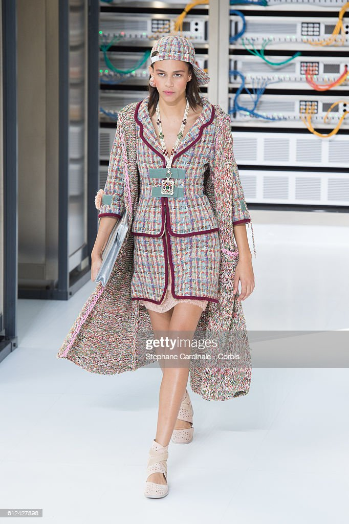 model-walks-the-runway-during-the-chanel-show-as-part-of-the-paris-picture-id612427898