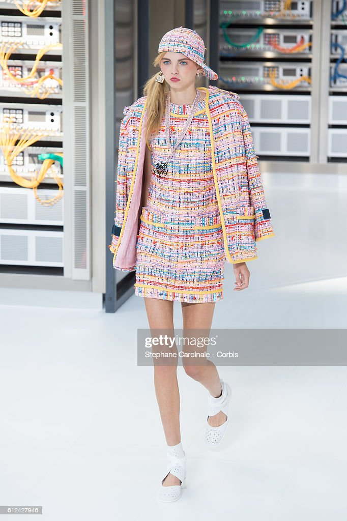 model-walks-the-runway-during-the-chanel-show-as-part-of-the-paris-picture-id612427946