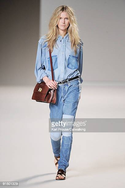 A model walks the runway during the Chloe Ready To Wear show as part of the Paris Womenswear Fashion Week Spring/Summer 2010 at Espace Ephemere...