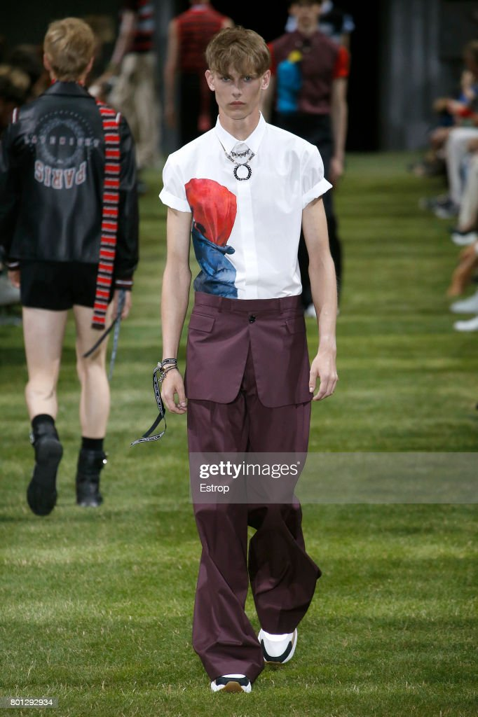 model-walks-the-runway-during-the-dior-homme-menswear-springsummer-picture-id801292934