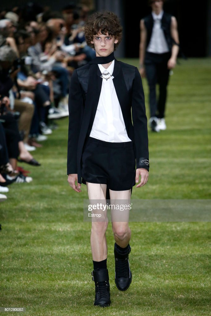 model-walks-the-runway-during-the-dior-homme-menswear-springsummer-picture-id801293052
