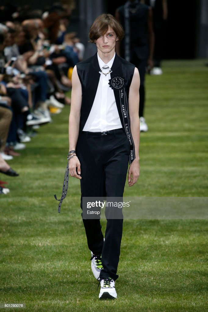 model-walks-the-runway-during-the-dior-homme-menswear-springsummer-picture-id801293076
