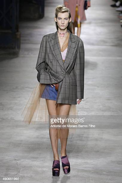 A model walks the runway during the Dries Van Noten show as part of the Paris Fashion Week Womenswear Spring/Summer 2016 on September 30 2015 in...