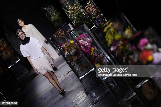 A model walks the runway during the Dries Van Noten show as part of the Paris Fashion Week Womenswear Spring/Summer 2017 on September 28 2016 in...