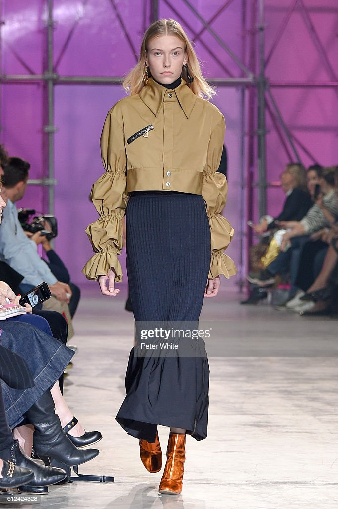 model-walks-the-runway-during-the-ellery-show-as-part-of-the-paris-picture-id612424328