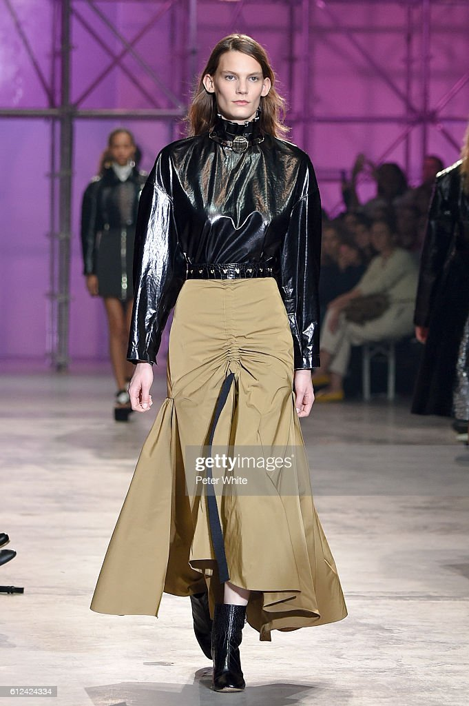 model-walks-the-runway-during-the-ellery-show-as-part-of-the-paris-picture-id612424334