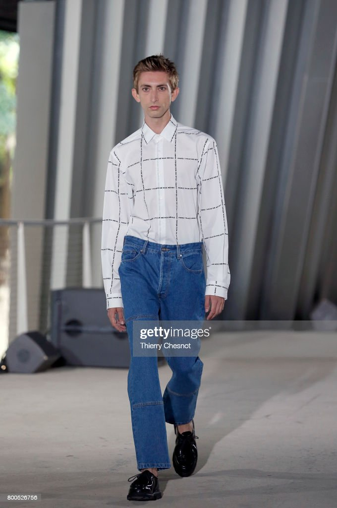 model-walks-the-runway-during-the-etudes-menswear-springsummer-2018-picture-id800526756
