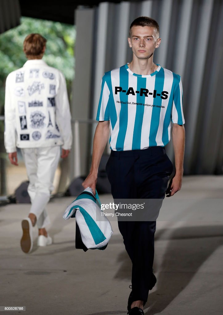 model-walks-the-runway-during-the-etudes-menswear-springsummer-2018-picture-id800526786