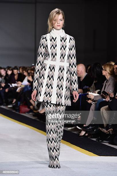 A model walks the runway during the Giambattista Valli show as part of the Paris Fashion Week Womenswear Fall/Winter 2015/2016 on March 9 2015 in...