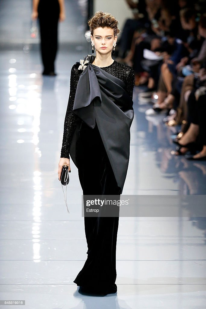 Runway paris fashion week haute couture fall winter for Couture france