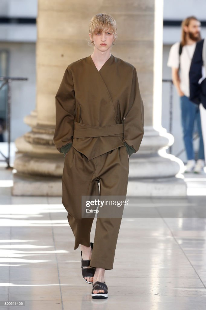 model-walks-the-runway-during-the-hed-mayner-menswear-springsummer-picture-id800511406