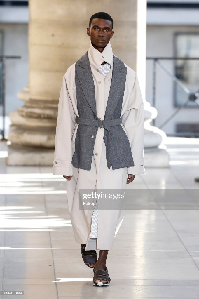 model-walks-the-runway-during-the-hed-mayner-menswear-springsummer-picture-id800511630
