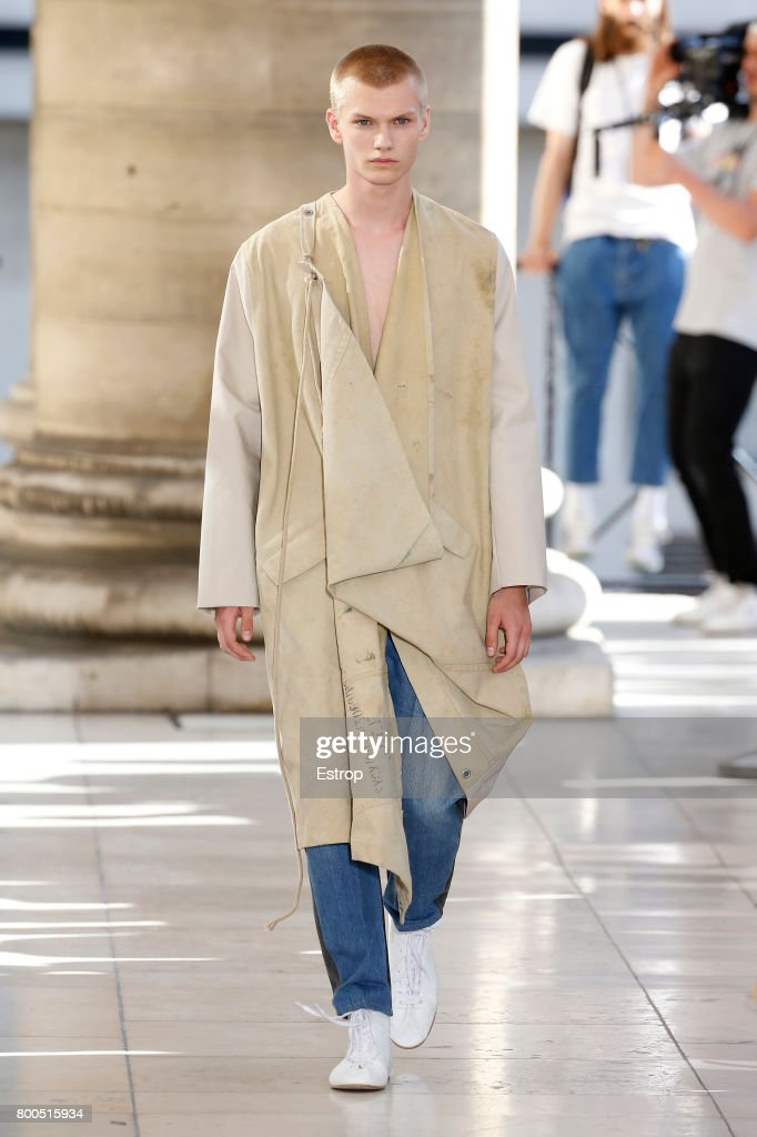 model-walks-the-runway-during-the-hed-mayner-menswear-springsummer-picture-id800515934