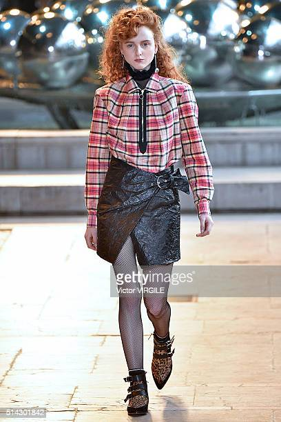 A model walks the runway during the Isabel Marant fashion show as part of the Paris Fashion Week Womenswear Fall/Winter 2016/2017 on March 4 2016 in...