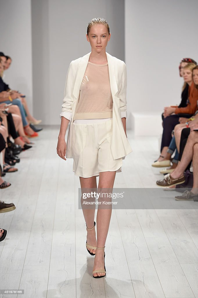 A model walks the runway during the Isabell De Hillerin show during the MercedesBenz Fashion Week Spring/Summer 2015 at Erika Hess Eisstadion on July...