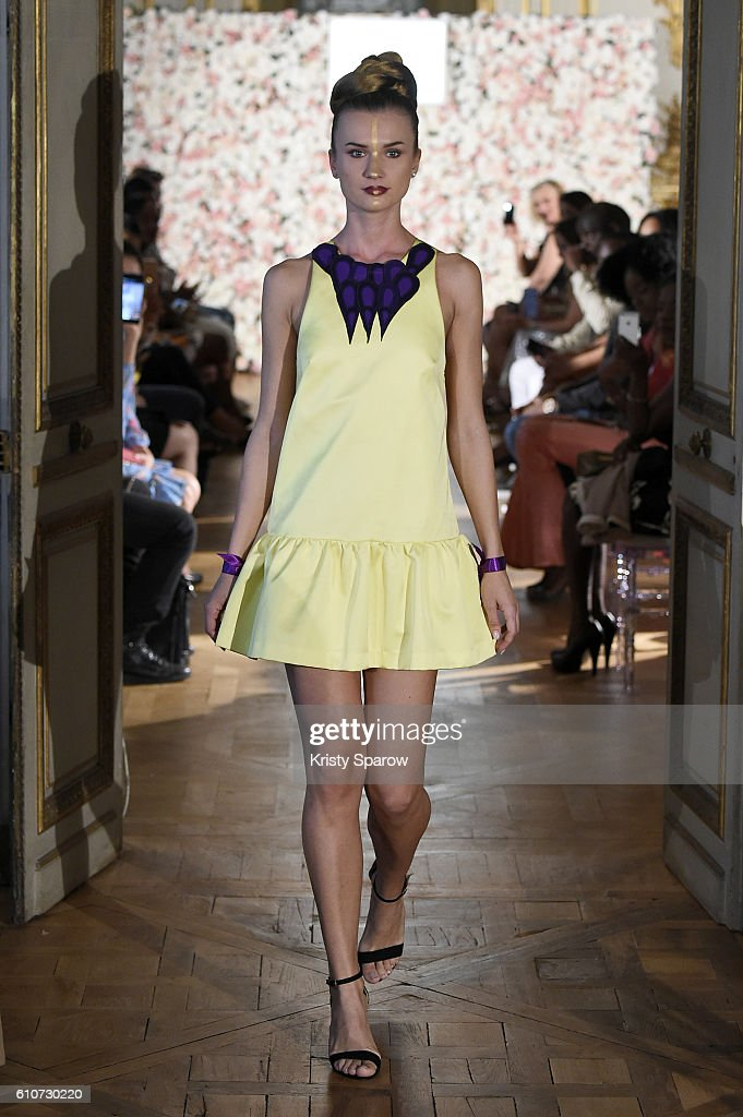 model-walks-the-runway-during-the-kate-bee-show-as-part-of-the-paris-picture-id610730220