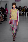 Kenneth Ize : Runway - Paris Fashion Week - Womenswear...