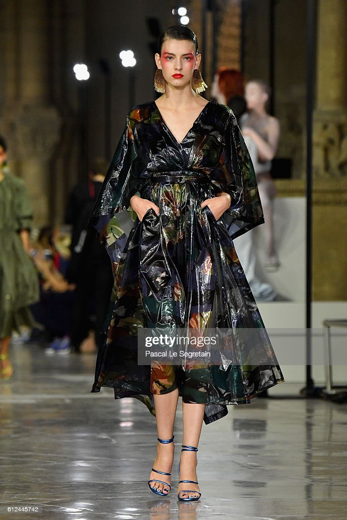 model-walks-the-runway-during-the-kenzo-show-as-part-of-the-paris-picture-id612445742