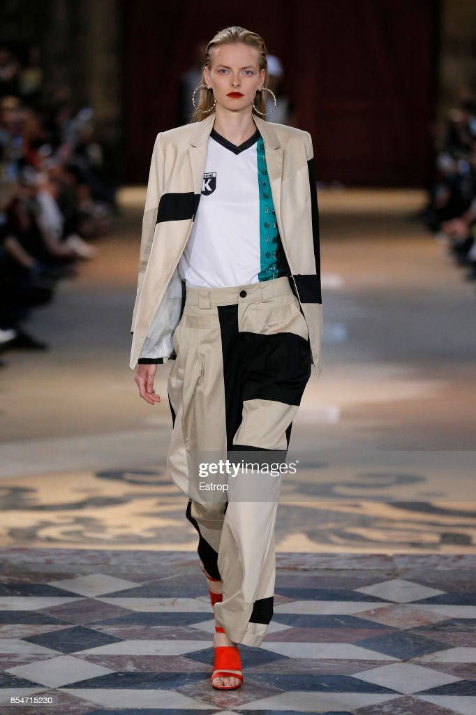 model-walks-the-runway-during-the-koche-show-as-part-of-the-paris-picture-id854715230