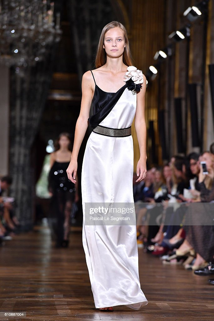 model-walks-the-runway-during-the-lanvin-show-as-part-of-the-paris-picture-id610887004