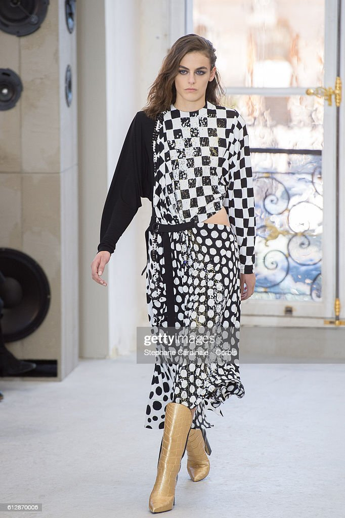 model-walks-the-runway-during-the-louis-vuitton-show-as-part-of-the-picture-id612870006