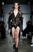 Ludovic De Saint Sernin : Runway - Paris Fashion Week -...