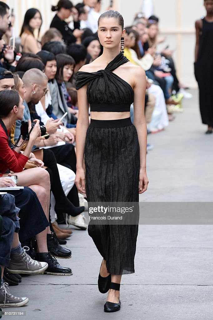model-walks-the-runway-during-the-nehera-show-as-part-of-the-paris-picture-id610731194