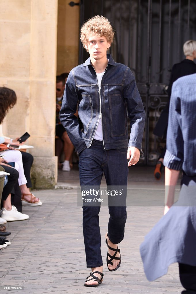 model-walks-the-runway-during-the-officine-generale-menswear-2018-picture-id800786324