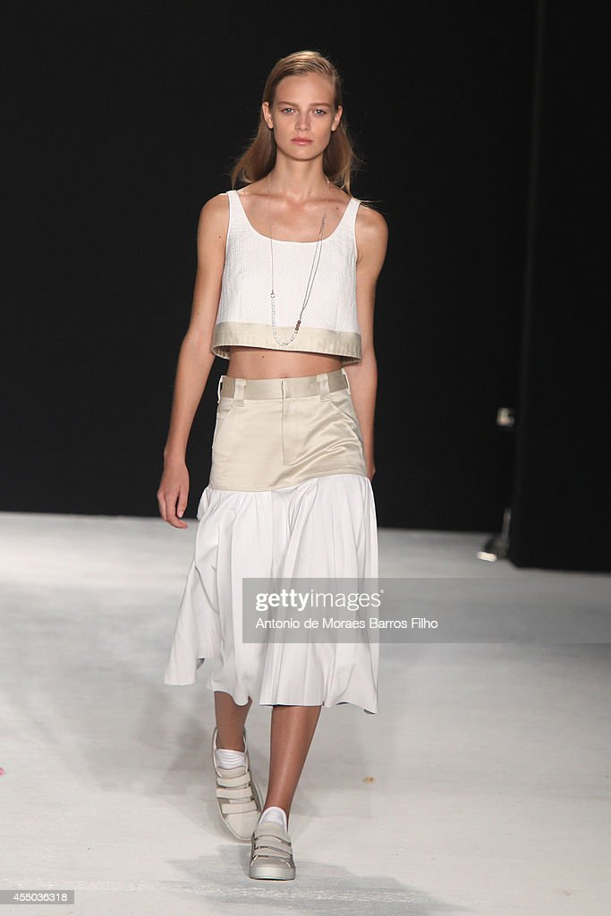 A model walks the runway during the Rag Bone show at MercedesBenz Fashion Week Spring 2015 at on September 8 2014 in New York City