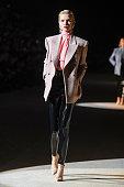 Saint Laurent : Runway - Paris Fashion Week Womenswear...
