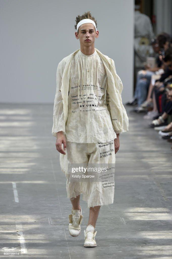 model-walks-the-runway-during-the-sankuanz-menswear-springsummer-2018-picture-id800725414