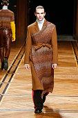 Sean Suen : Runway - Paris Fashion Week - Menswear F/W...
