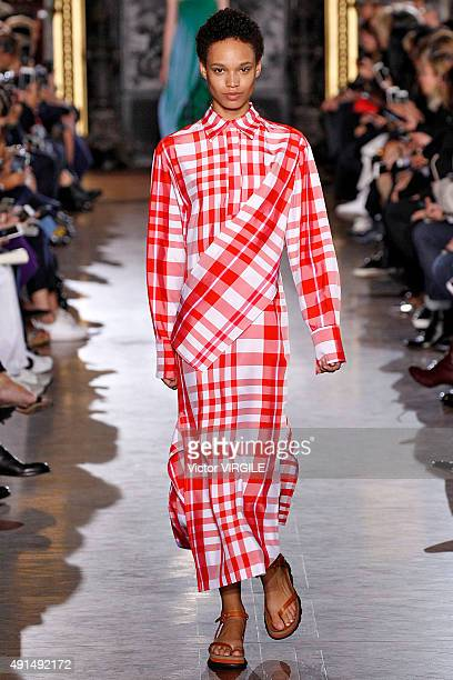 A model walks the runway during the Stella McCartney Ready to Wear show as part of the Paris Fashion Week Womenswear Spring/Summer 2016 on October 5...