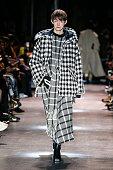 Ujoh : Runway - Paris Fashion Week Womenswear...