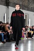 Valentino : Runway - Paris Fashion Week - Menswear F/W...