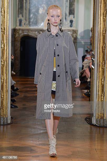 A model walks the runway during the Veronique Leroy show as part of the Paris Fashion Week Womenswear Spring/Summer 2016 on October 3 2015 in Paris...