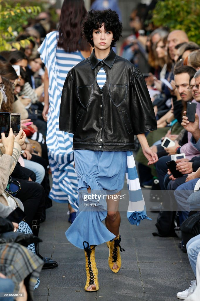 model-walks-the-runway-during-the-victoriatomas-show-as-part-of-the-picture-id854533674