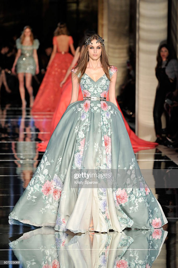 Runway paris fashion week haute couture spring summer for Haute couture houses 2016
